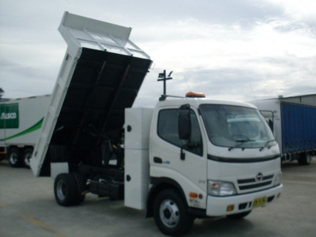 af4389397e 2009 Hino 816 - 300 Series HINO 816 TIPPER TOOL BOX WHITE. 2009 Hino 816 -  300 Series HINO 816 TIPPER TOOL BOX WHITE