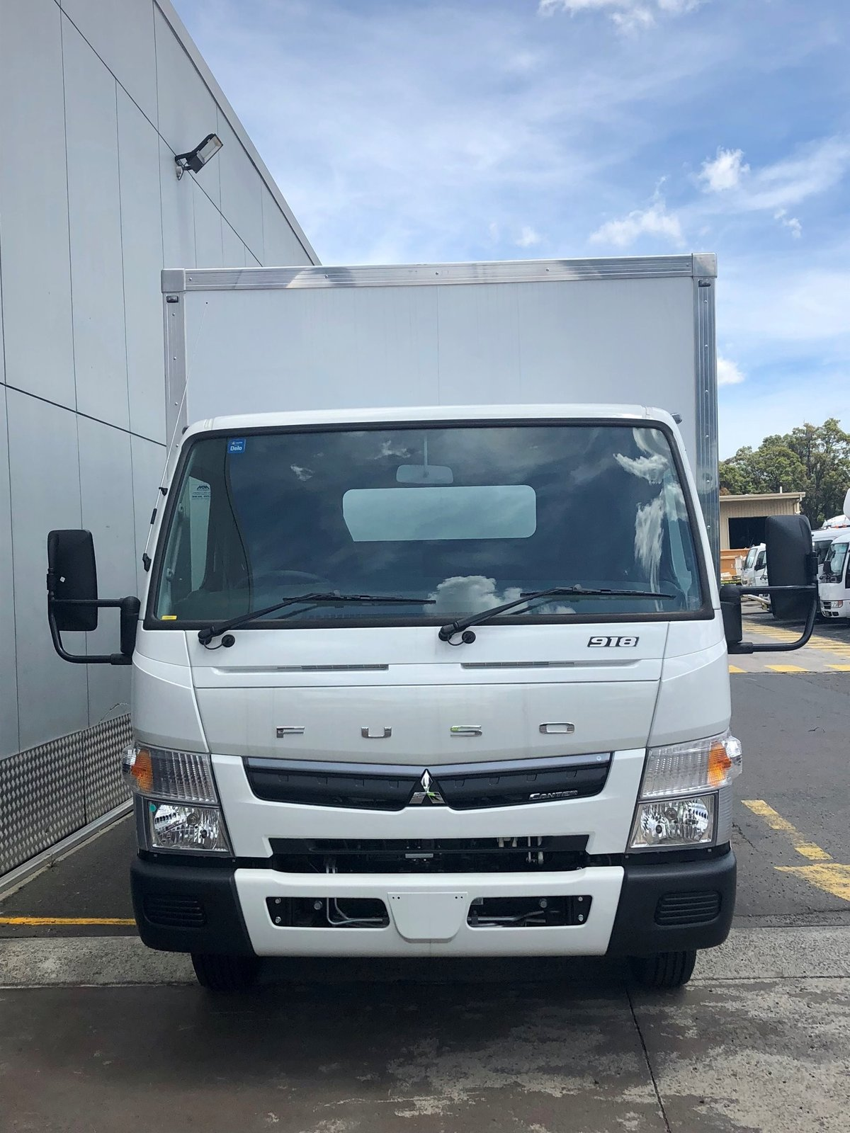 2018 Fuso Canter 918 FECX1KR4SFAD Wide Xxlwb (White) for sale in
