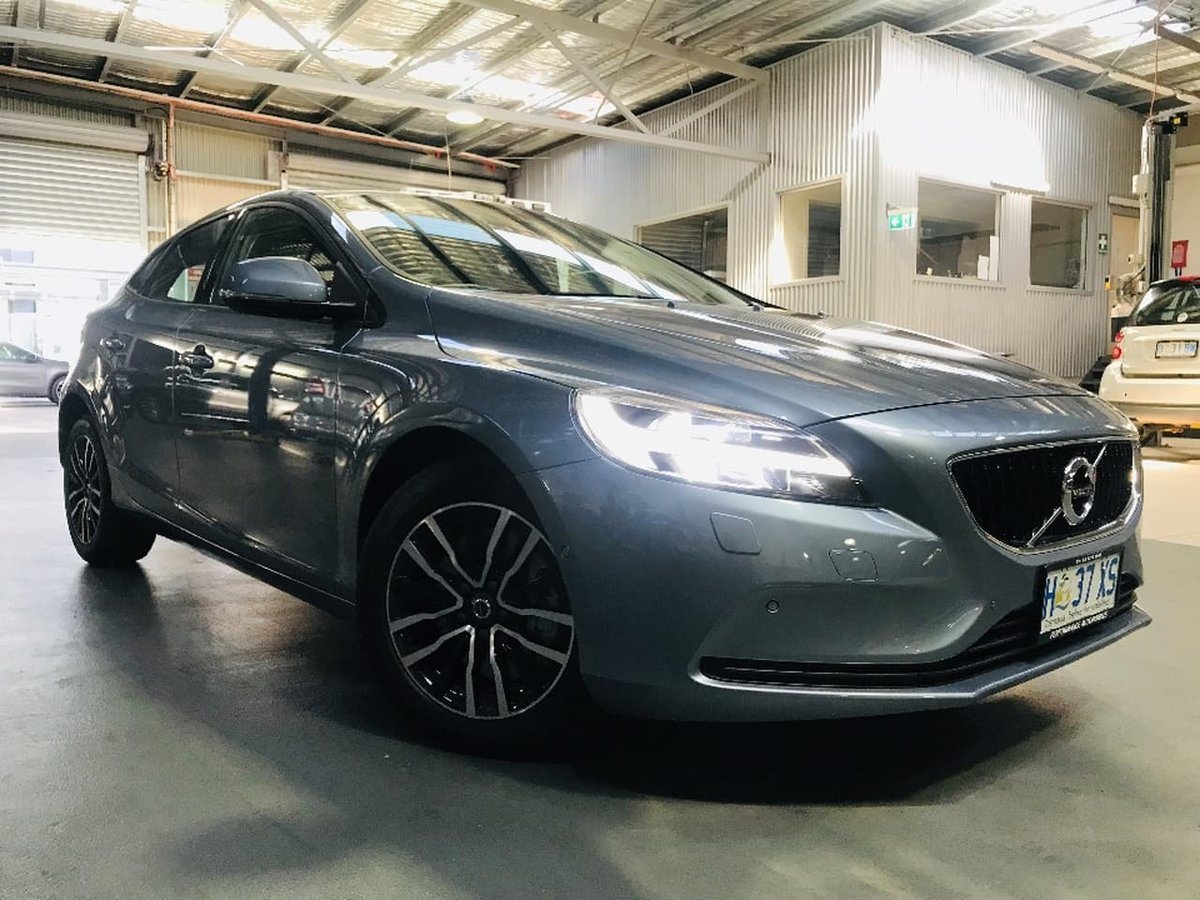 2017 Volvo V40 D2 Momentum MY18 (Blue) for sale in Hobart
