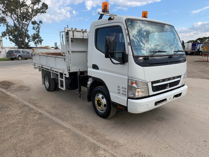 2008 Mitsubishi Canter 715 DAY CAB TIPPER w/ CRANE