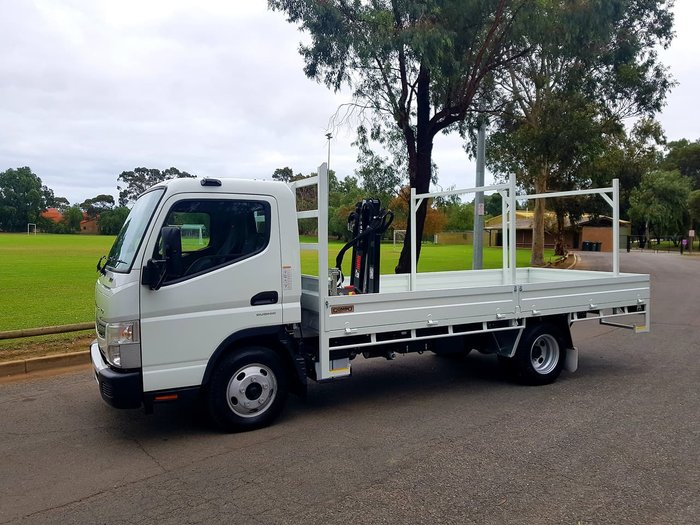 2018 FUSO CANTER 515 MAN WIDECAB STEEL TRAY & HIAB CRANE *CAR LICENCE* null null White