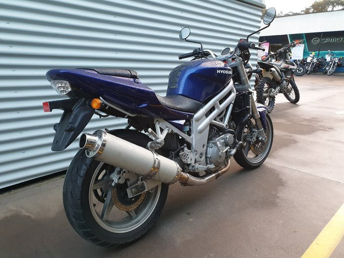2004 HYOSUNG GT650 null null Blue