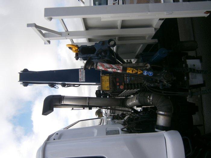 2007 UD MKA245 tray truck
