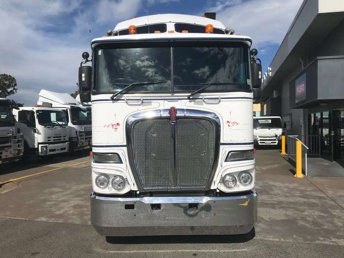 2011 Kenworth K200 K200 B-DOUBLE PRIME MOVER WHITE