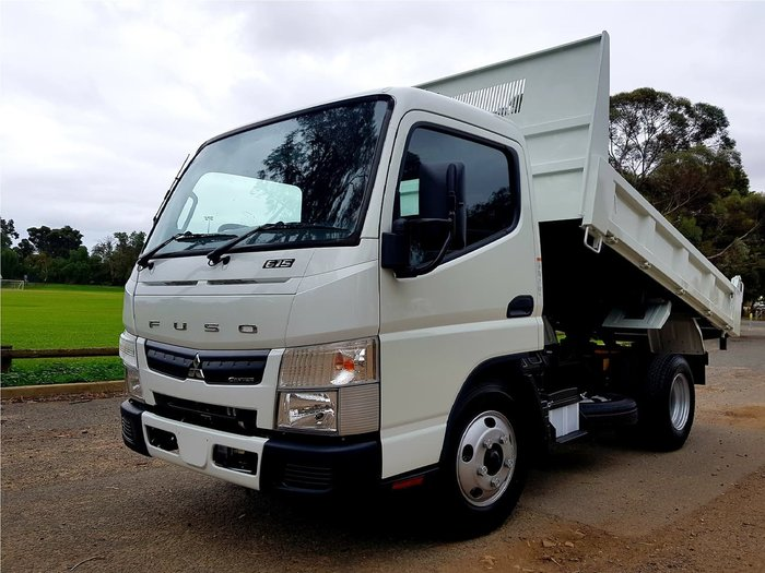2019 FUSO CANTER 615 CITY 3 SEAT 3 TON TIPPER