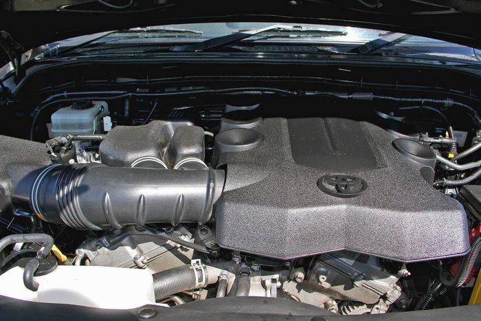 2012 Toyota FJ Cruiser GSJ15R 4X4 Dual Range Black