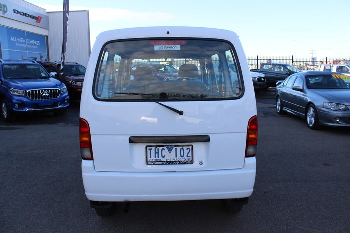 2005 Suzuki Carry White