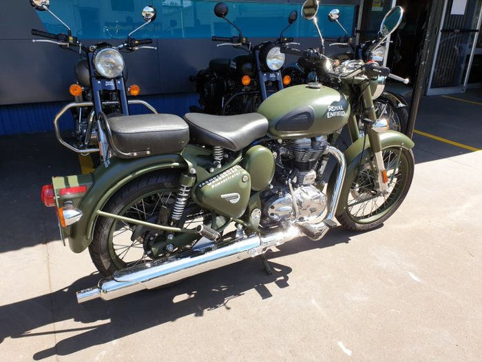 2018 ROYAL ENFIELD CLASSIC 500 null null Green