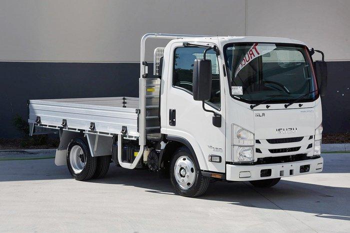 2019 Isuzu NLR 45-150 TRAYPACK White
