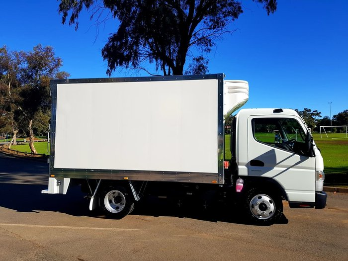 2018 FUSO CANTER 515 WIDE CAB AMT BUILT READY FRIDGE null null null