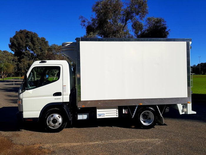 2018 FUSO CANTER 515 WIDECAB AMT **DEMO PRICES SLASHED TO BELOW COST** null null null