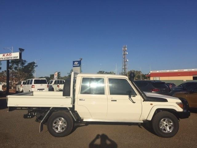 2015 TOYOTA LANDCRUISER WORKMATE (4x4) VDJ79R MY12 UPDATE WHITE