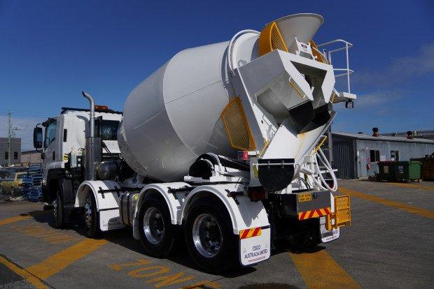 2018 Isuzu FYJ 300-350 FYJ 300-350 Concrete Agitator