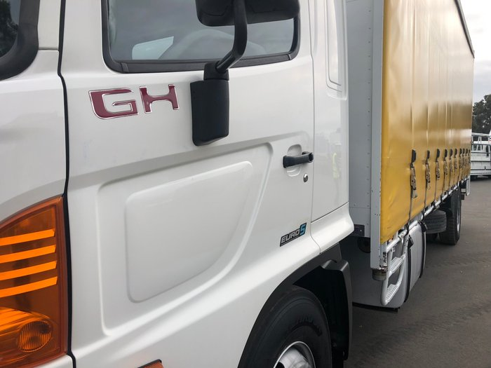 2014 Hino GH 1727-500 Series 12 Pallet Tautliner