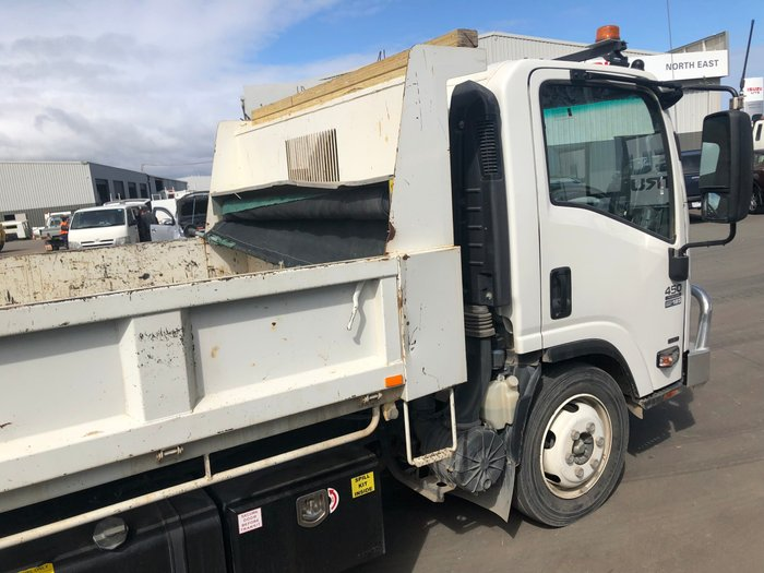 2015 Isuzu NQR450 TIPPER - LOW KMS