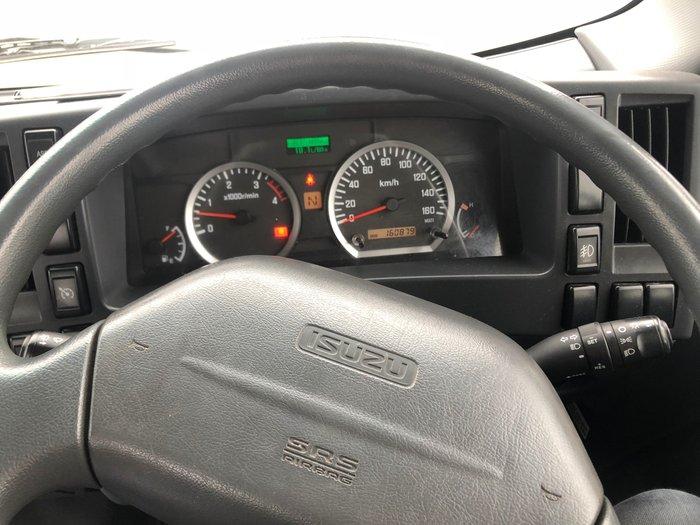 2015 Isuzu NPR200 CAB CHASSIS