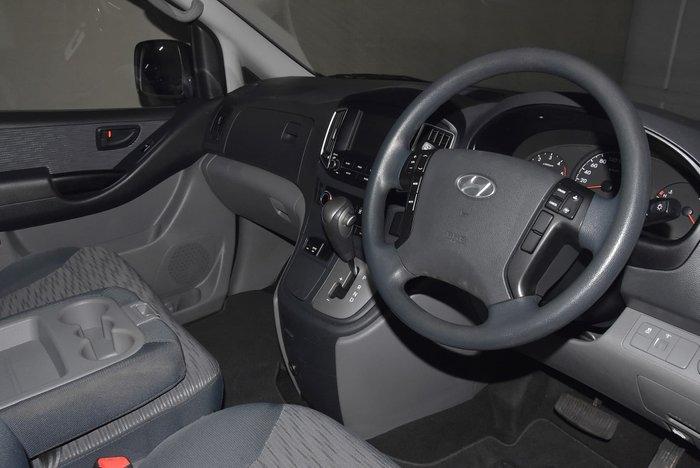 2015 Hyundai iLoad TQ3-V Series II MY16 White