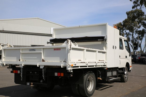 2011 Hino 816 - 300 Series EX-COUNCIL TIPPER / LOW KM'S WHITE