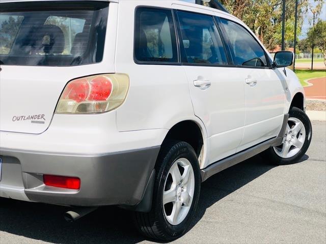 2003 Mitsubishi Outlander XLS ZE 4X4 Constant White