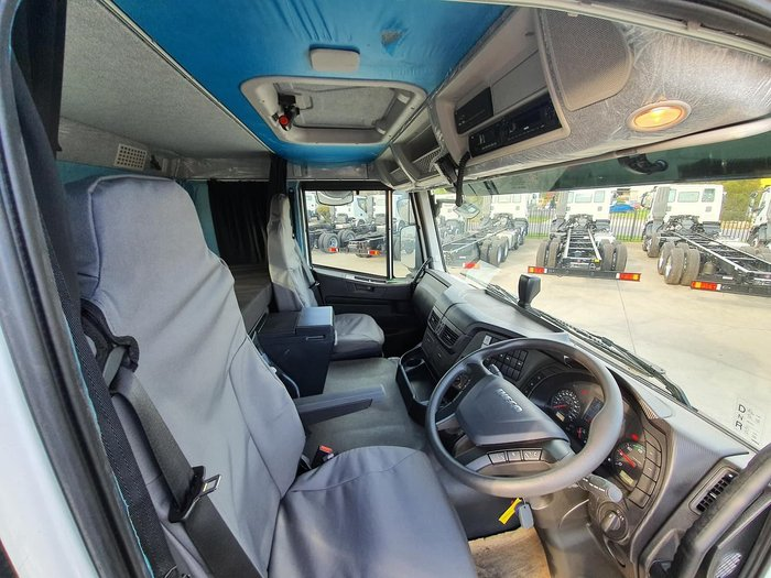 2018 IVECO STRALIS ATI 360 WITH TYRE CAGE & TAILGATE LOADER null null White