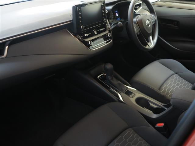 2018 TOYOTA Corolla Hatch Hybrid