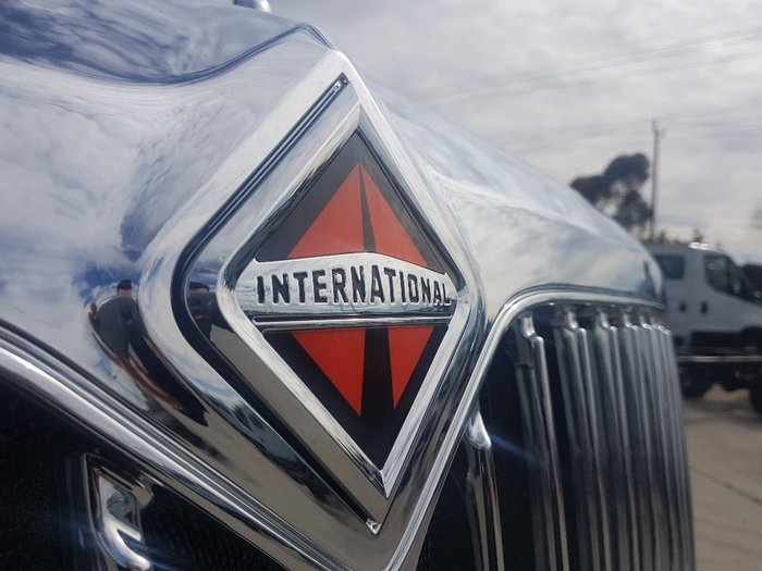 2019 INTERNATIONAL PROSTAR MARKY SLEEPER - 550HP & AUTO - 1 REMAINING IN STOCK null null white