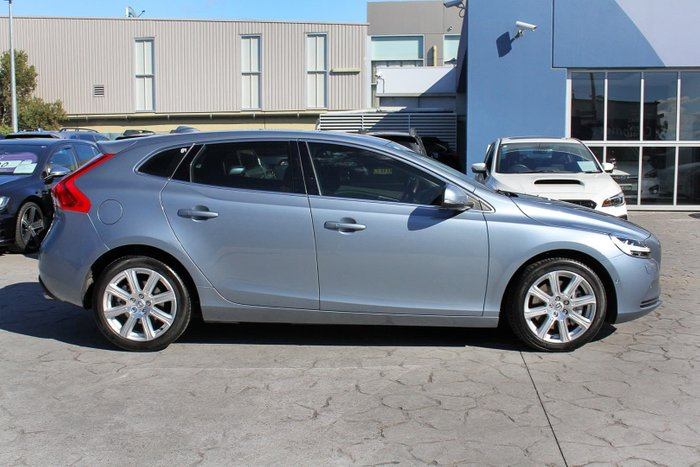 2016 Volvo V40 D4 Inscription MY17 Blue