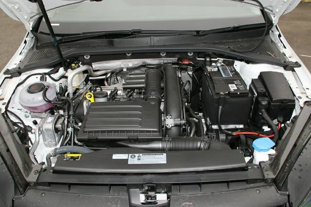 2019 Volkswagen Golf 110TSI Trendline 7.5 MY19.5 PURE WHITE