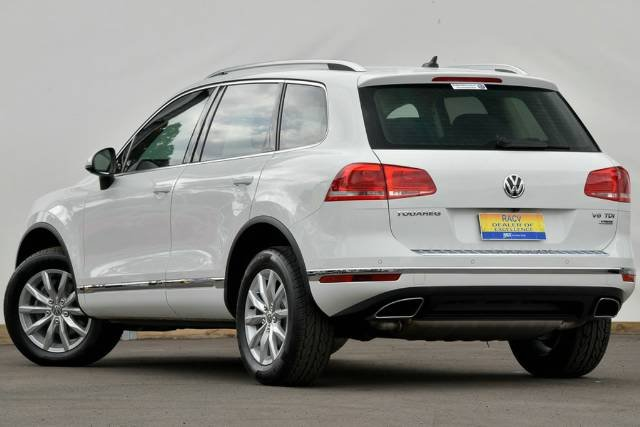 2016 Volkswagen Touareg 150TDI 7P MY17 Four Wheel Drive PURE WHITE