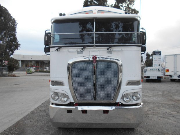 2011 Kenworth K200 WHITE