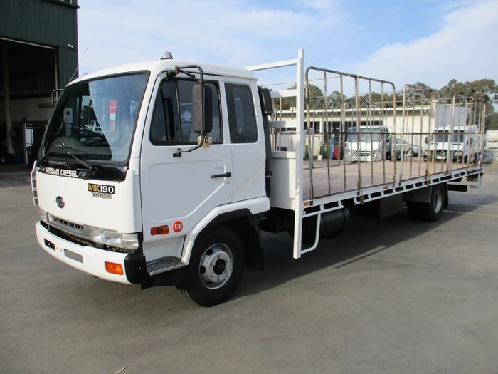 2002 UD MK 190 null null White