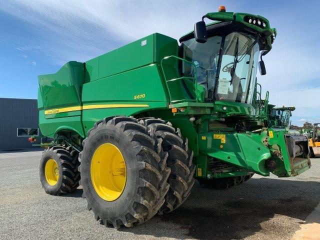 2017 John Deere Combine Harvesters S670 640D - New Green