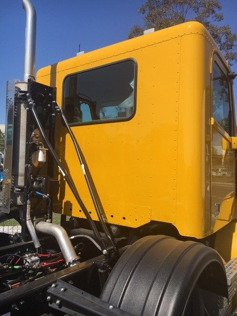 2019 Freightliner Columbia CL112 CL112 8x4 Yellow