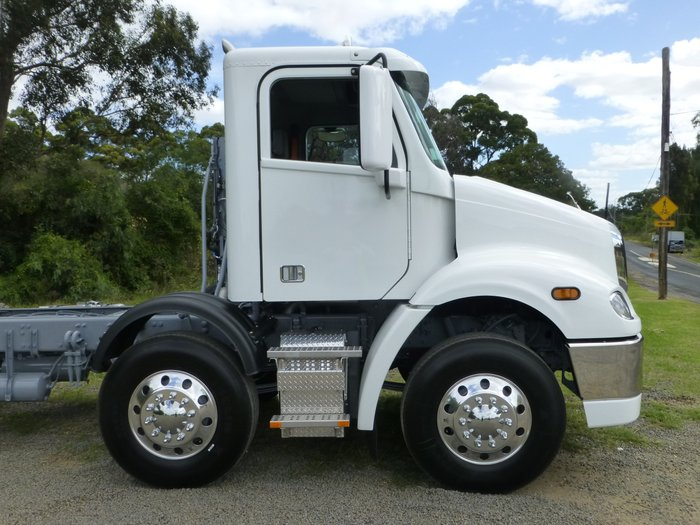 2019 Freightliner Columbia CL112 CL112 8x4 White