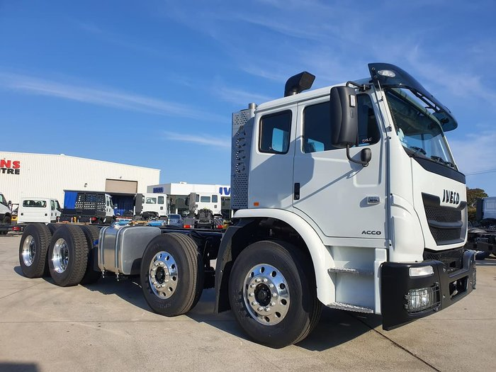 2019 IVECO ACCO 8X4 AGITATOR 340HP CUMMINS & ALLISON AUTO null null White