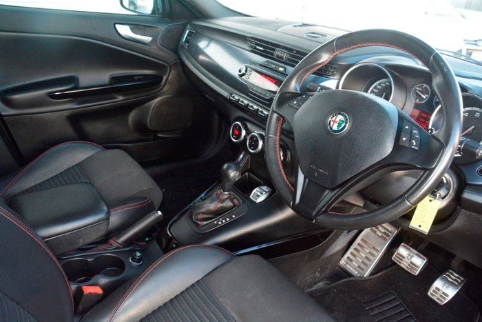 2013 Alfa Romeo Giulietta Distinctive Series 0 MY13 Grey