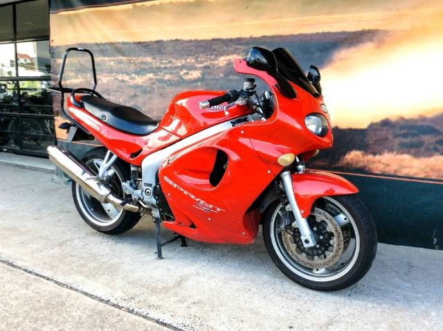 2001 TRIUMPH SPRINT ST 955 ROAD RED