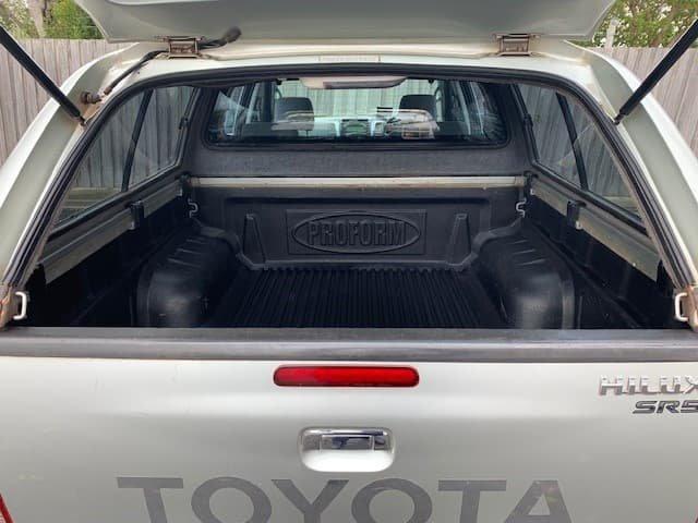 2006 Toyota Hilux SR5 KUN26R MY05 4X4 Silver