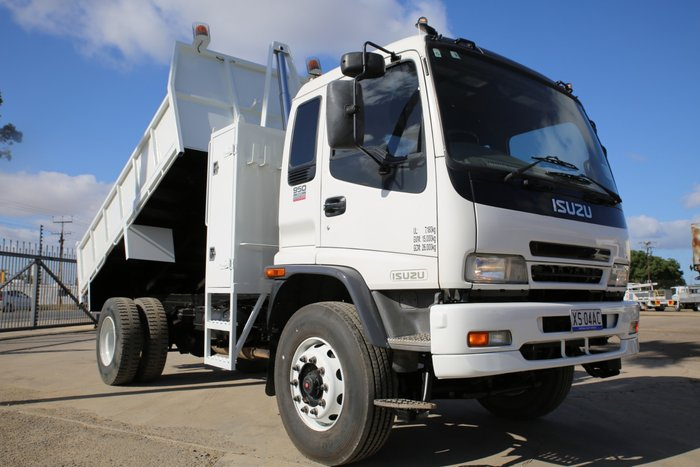 2007 Isuzu FVR950 EX COUNCIL LOW KMS WHITE