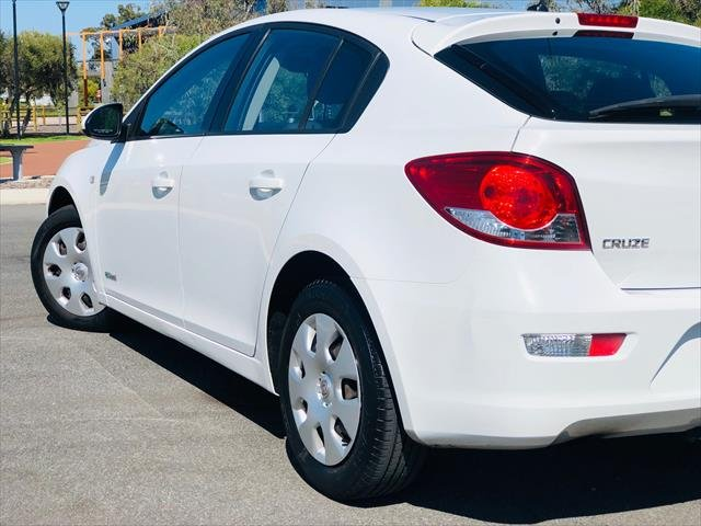 2013 Holden Cruze CD JH Series II MY13 WHITE