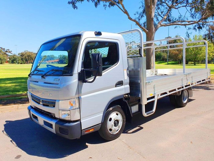 2019 FUSO CANTER 515 TRAY UNBELIEVABLE DEALS NOW ON OUR ENTIRE RANGE null null SILVER