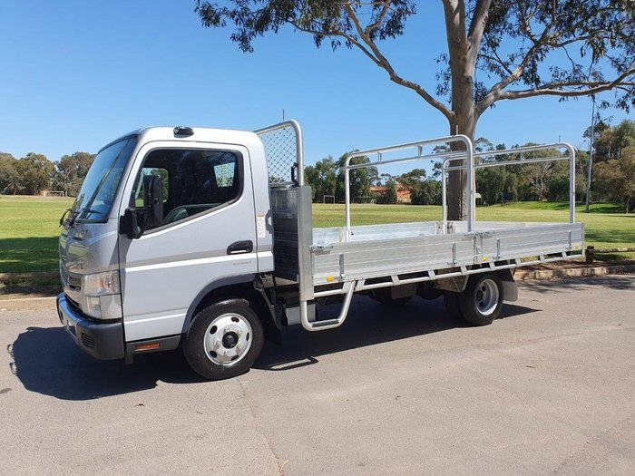 2019 FUSO CANTER 515 W AMT+ 2 YEARS FREE SERVICES ON 19 PLATED TRUCKS* null null White