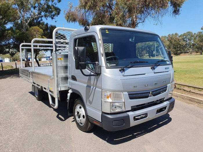 2019 FUSO CANTER 515 W AMT null null White