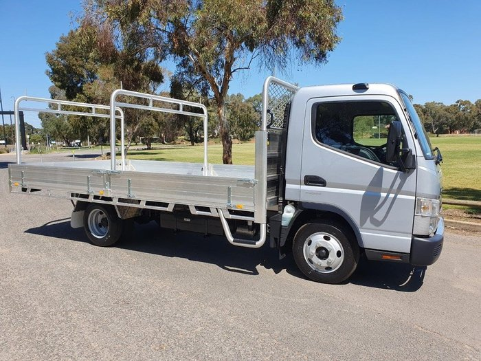 2019 FUSO CANTER 515 AMT+ 2 YEARS FREE SERVICES ON 19 PLATED TRUCKS* null null White