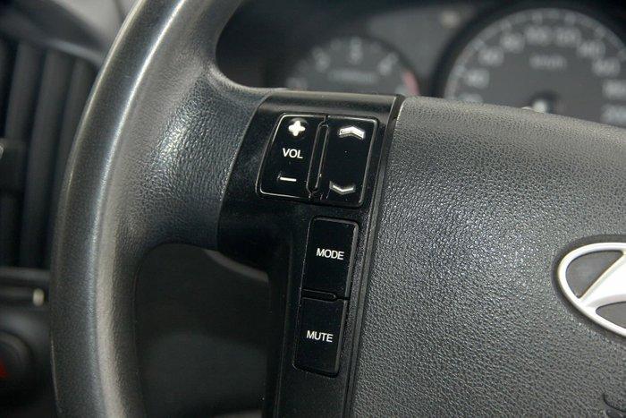 2012 Hyundai iLoad TQ2-V MY12 White