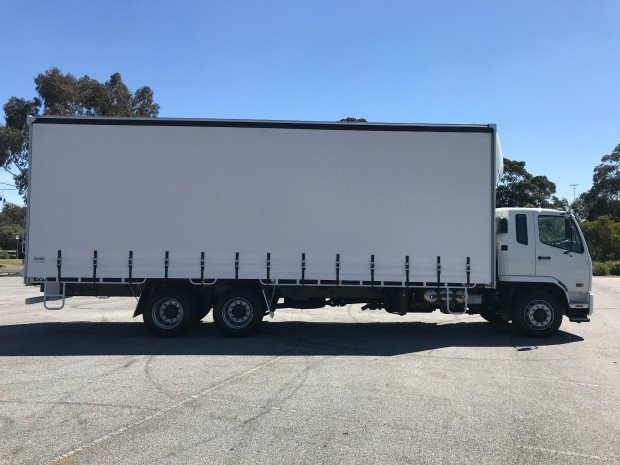2019 Fuso Fighter 2427 FN63FU2RFAK White Curtains