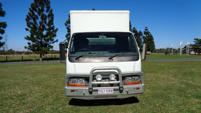 2003 Mitsubishi White