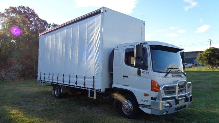 2017 Hino FD 1124-500 Series White