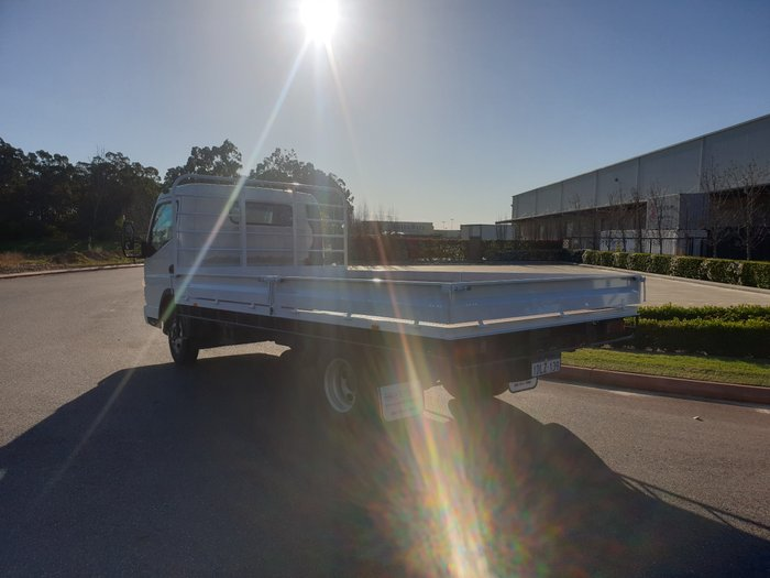 2010 Fuso Canter 515 Wide WHITE
