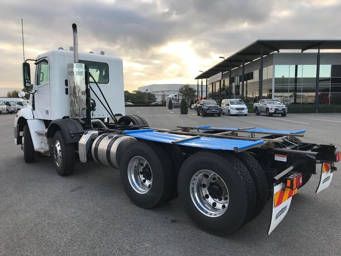 2019 FREIGHTLINER COLUMBIA CL112 null null White